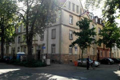18   Kulturdenkmal Händelstr. 20, Karlsruhe, Ansicht Straße 2 (nach Dachsanierung), LP 6-8