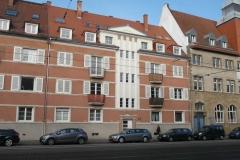 02   Kulturdenkmal Blücherstr. 22, Karlsruhe, Straßenseite (nach Dachsanierung), LP 6-8