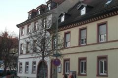 11 | Kulturdenkmal MFH Karlsburgstr. 8, Karlsruhe, Straßenansicht (vor Sanierung)