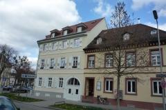 12 | Kulturdenkmal MFH Karlsburgstr. 8, Karlsruhe, Straßenansicht (nach Sanierung)