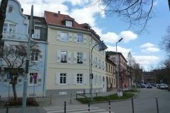 16 | Kulturdenkmal MFH Karlsburgstr. 8, Karlsruhe, Straßenansicht (nach Sanierung)